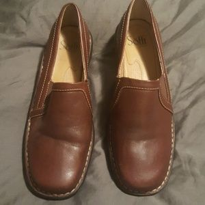 Brown loafers 8.5 like new